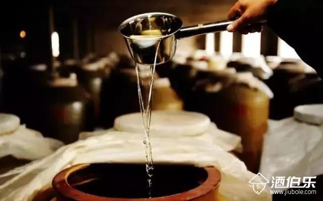 酒伯樂:正宗的醬香酒是什么滋味,可能有些人一輩子也不知道!